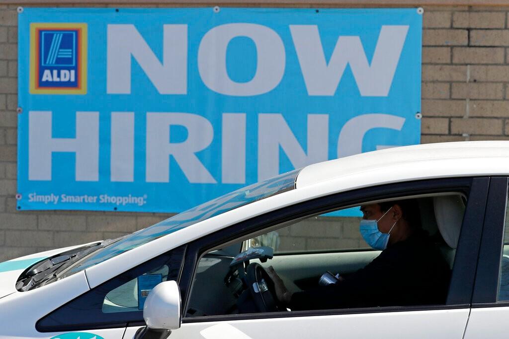 上周41.1万人首申失业救济 连续第二周突破40万_图1-1